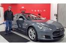 Công nhân Tesla làm việc 16 giờ mỗi ngày để kịp tiến độ sản xuất