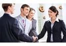 Vào mùa cao điểm nhà tuyển dụng cần làm gì để thu hút ứng viên?