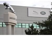 Virus corona - Covid-19: Jaguar Land Rover vận chuyển các bộ phận trong vali do chuỗi cung ứng Hitavavirus