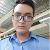 Nhân viên đứng máy CNC